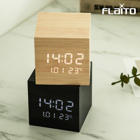 플라이토 우드 큐브 플러스 LED 탁상시계 이미지