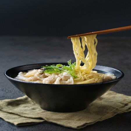 [핫딜][줄서서 먹는 70년 전통 부산완당] 김상억 고수의 고기완당 2팩 +새우완탕면 2팩 이미지