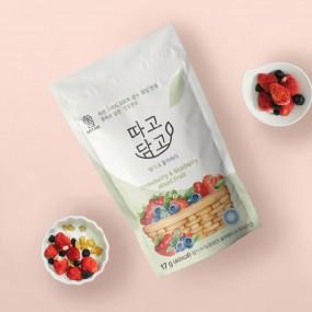 [창고대방출]우리 아이가 좋아하는 동결건조 딸기&블루베리칩 100% 과일  17g*4개입 무료배송 행사중 이미지